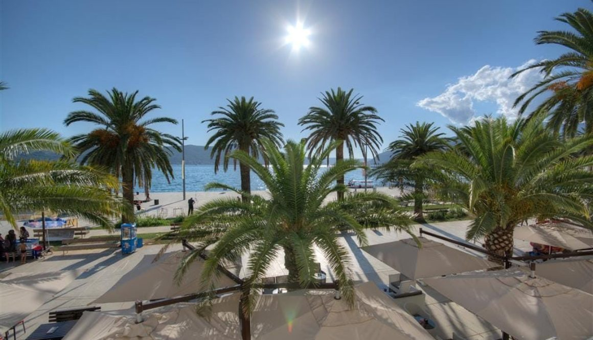 Tivat-Pine-–-exclusive-apartment-on-the-first-line-to-the-sea_02