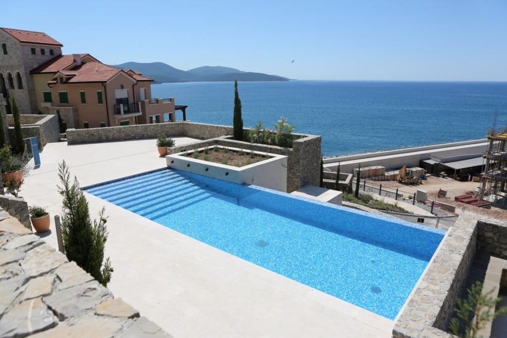 Tivat-Lustica-Bay-–-Marina-village-studio-with-private-yard_05