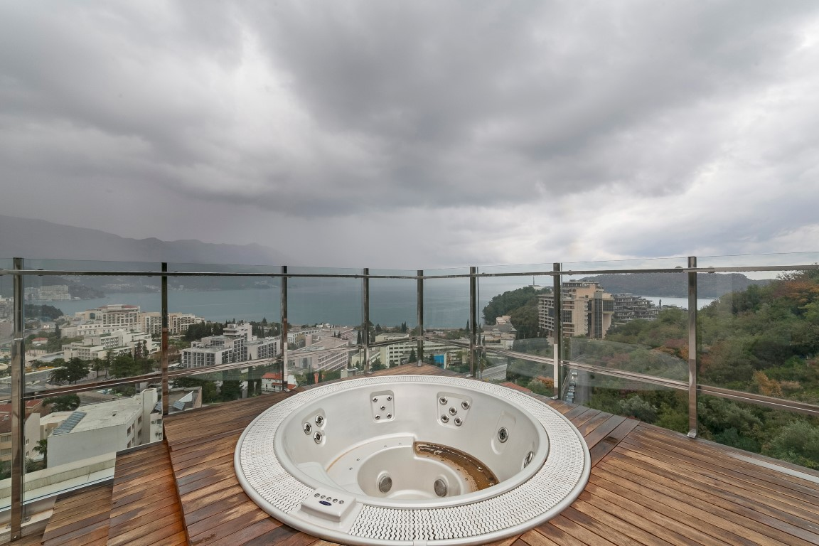 Budva-Becici-–-exclusive-penthouse-apartment-with-terrace-of-150m2_11