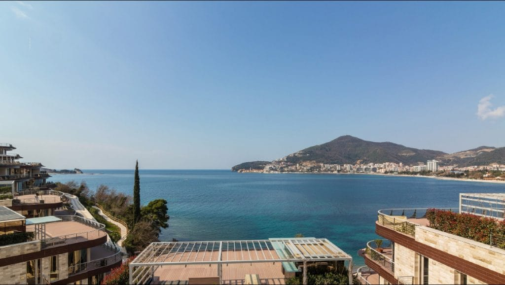 Budva-Becici-Dukley-Gardens-–-luxury-apartment-106m2_09